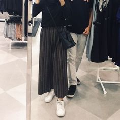 Ootd Poses, Hijab Fashion, Fashion Outfits, Tumblr Couples, Casual Hijab Outfit, Boy Photography Poses, Korean Couple, Ulzzang Couple, Cute Relationship Goals