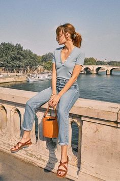 Spring Summer French girl style: Best French fashion brands to wear every day - Mode Rsvp Girl Fashion, Fashion Clothes, Fashion Outfits, Fashion Tips, Fashion Hacks, Boy Clothing, Men Fashion, Korean Fashion, Fashion Brands