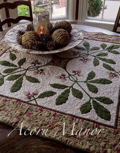idea only, lovely mistletoe quilt top as table cloth