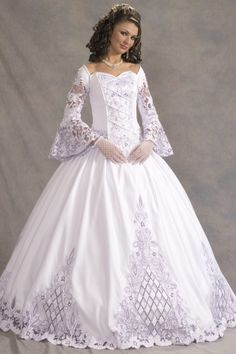 Have an Impressive Look with Ball Gown Wedding Dresses