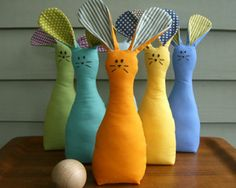 "Bunny Bowling – great kids activity idea for Easter! @ DIY Home Ideas - Seriously people - BUNNY BOWLING? They'll grow up and end up doing people bowling on their cars with such FUN ""activity"". not mentioning all the dead animals! Kids Crafts, Easter Arts And Crafts, Craft Projects For Kids, Sewing Projects For Beginners, Craft Ideas, Sewing Patterns Free, Free Sewing, Diy Ostern, Sewing For Kids"