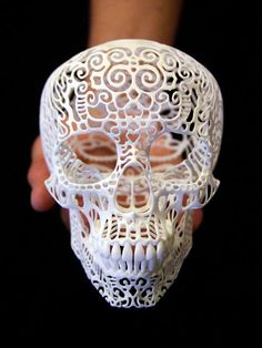 Filigree 3-D printed skull / Josh Harker