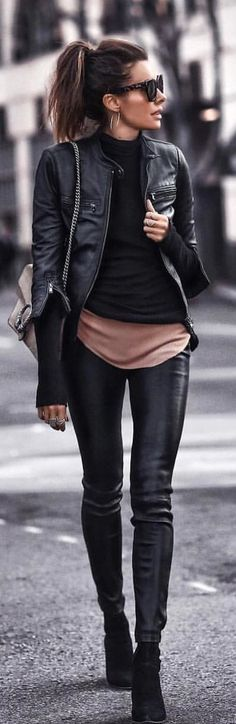 #spring #outfits woman wearing black leather zip-up jacket. Pic by @streetstyle__daily