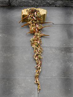 Funeral arrangement - Valentijn Sneek Funeral Flower Arrangements, Modern Flower Arrangements, Funeral Flowers, Ikebana, Grave Decorations, Sympathy Flowers, Special Flowers, Leaf Flowers, Floral Arrangements