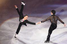 浅田真央(左)と宇野昌磨 全日本選手権2015エキシビジョン フォトギャラリー フィギュアスケート スポーツナビ