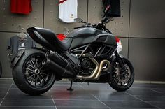 Ducati Diavel Dark Love it!