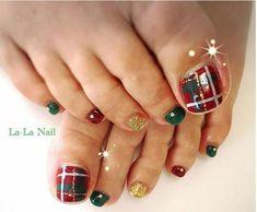 40 Best Christmas Toe Nail Art Designs Images On Pinterest Xmas