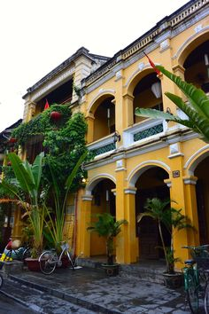 Hoi An: Food and Fancy Fitted Clothes! Vietnam Hotels, Vietnam Travel, Asia Travel, Laos, French Colonial, British Colonial, Vietnamese Restaurant, Colonial Architecture, Hoi An
