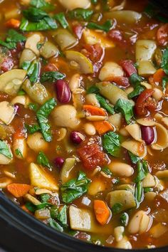 """E"" meal with chicken Whip up this yummy copycat Olive Garden Minestrone Soup. It's slow cooker to boot. Via Cooking Classy# slow cooker healthy recipes Minestrone Soup Slow Cooker, Slow Cooker Soup, Slow Cooker Recipes, Crockpot Recipes, Soup Recipes, Vegetarian Recipes, Cooking Recipes, Healthy Recipes, Copycat Recipes"