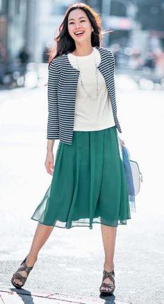 軽やかに履けるチュールのスカート♪40代アラフォー女性におすすめのAラインスカートコーデ♬