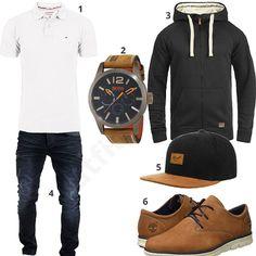 Männer-Outfit mit weißem Poloshirt, Boss Orange Uhr, Blend Speedy Hoodie, schwarzem Reell Cap, Timberland Bradstreet Schuhen und Merish Jeans.