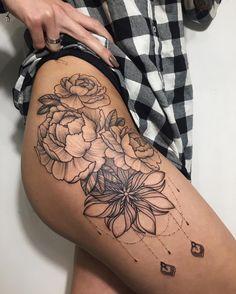 #tattooalinatu #dotworktattoo #tattoo #tattooalinatu #dotworktattoo #line #linework #lineworktattoo #fleur #flowerstattoo