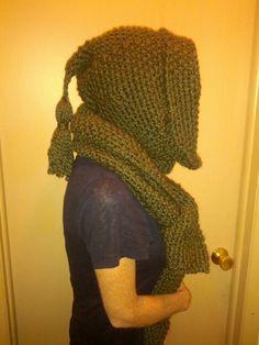 Hooded knit tasseled scarf