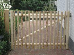 Garden Fencing, Fence, Ste Cecile, Diy Driveway, Bigger Person, Gate Latch, Outdoor Gardens, New Homes, Backyard