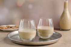 Házi Bailey's mindenképp! Baileys, Naan, Glass Of Milk, Mousse, Vodka, Panna Cotta, Dinner, Ethnic Recipes, Sweet