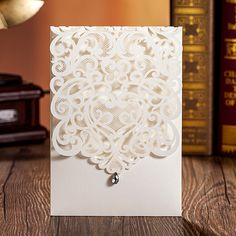 100Pcs/Lot Wholesale Pearl White Wedding Invitation Envelope Printing invitaciones de boda Laser Cut Wedding Invitation Card