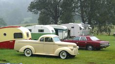 My 1928 Chevrolet: Some Old Cars, Caravans, Tear Drops and Mobile Homes Caravan Vintage, Vintage Campers Trailers, Retro Campers, Vintage Caravans, Camper Trailers, Tiny Camper, Camper Life, Old Cars, Recreational Vehicles