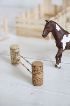 Making ice skates: building a horse stable – build … – Toy Horse Stable, Schleich Horses Stable, Horse Stables, Breyer Horses, Cute Diy Crafts, Diy Crafts For Kids, Toy Barn, Horse Accessories, Horse Crafts