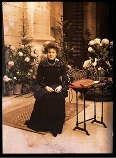 Gods and Foolish Grandeur: Queen Victoria Eugenie of Spain, four autochromes by Charles Chusseau-Flaviens , circa 1910 Spain History, European History, Belle Epoque, Art Nouveau, Spanish Royalty, Spanish Woman, Spanish Royal Family, Edwardian Fashion, Queen Victoria
