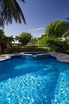 Swimming Pool Waterfall, Swimming Pool Lights, Swimming Pools Backyard, Pool Decks, Garden Pool, Pool Fun, Pool Plaster Colors, Pool Finishes, Pool Colors