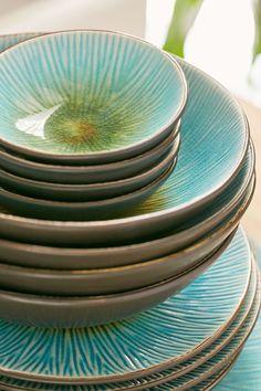 Turquoise 16-Piece Shangri-La Dinnerware Set