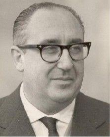 Álvaro Cunqueiro (1911-1981), poeta gallego.