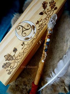 Celtic Spirit- Maple Wand and Crescent Moon Wand Box Wiccan, Witchcraft, Symbole Viking, Witch Wand, Pagan Art, Presents For Girls, Celtic Designs, Book Of Shadows, Pyrography