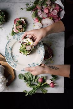 Toast aux radis de printemps - Christiann Koepke