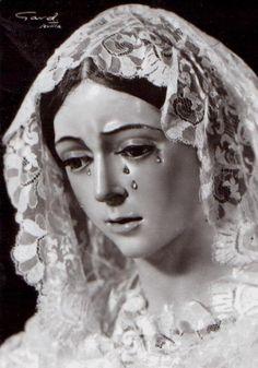 Virgen de la Esperanza A vintage postcard of the statue of Our Lady of Hope of Macarena in Seville.