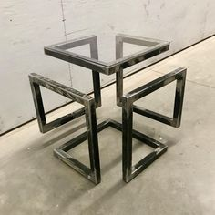Industrial Design Furniture, Rustic Furniture, Cool Furniture, Furniture Design, Coffee Table Metal Frame, Coffee Table Design, Metal Projects, Welding Projects, Custom Metal Fabrication