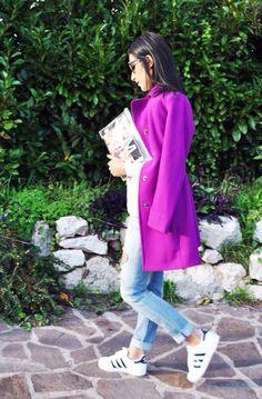 Cappotto fucsia, coat fuchsia, superstar adidas, sneakers, sporty chic, clutch iniziali, personalizzata, ootd, look, moda Inverno 2016, fashion, trend chic - outfit fashion blogger Heels Allure by Marianna Farese