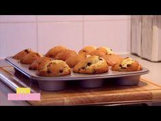 ▶ Clara's Kitchenette - Episode 10 - Les Muffins aux Pepites de Chocolat - YouTube