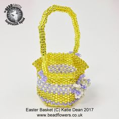 Easter Basket Beading Tutorial / Beading Pattern by Katie Dean Easter Projects, Easter Crafts For Kids, Beading Tutorials, Beading Patterns, Boyfriend Crafts, Craft Stick Crafts, Diy Crafts, Easter Bunny Decorations, Crochet Patterns For Beginners