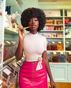 Adeyanju Adeleke Let me take you to the candy shop🍭🍬 Shot by Hipster Grunge, Grunge Goth, Beautiful Dark Skinned Women, Beautiful Black Girl, Black Girl Magic, Black Girls, Street Style Vintage, Curly Hair Styles, Natural Hair Styles