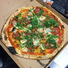 I think this pizza is too small. Might take it back.  @homesliceldn #homeslice #pizza #lunch #munch #foodie #pizzatime #weekday #bigsize #sizematters #mmm #sogood