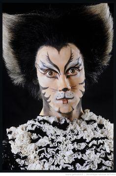 Music of the Night - Phantom of the Opera Cat Face Makeup, Halloween Face Makeup, Cats Cast, Music Of The Night, Cats Musical, Jungle Safari, Cat Costumes, Phantom Of The Opera, Cat Love