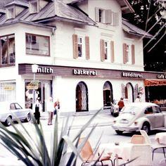 Bevor der 🚀Mensch den 🌖 Mond betreten hat, hat's beim #Wienerroither in #Pörtschach 🌳☕️ noch so ausgesehen.  Na? Wer kann sich noch erinnern... 🙉  #familienbetrieb, #tradition, #leidenschaft, #zusammenhalt, #geschichte, #reiseindievergangenheit, #dergeschmackderkindheit, #dorfbäckerei, #meisterbäcker, #bäckermeister, #bäckvomsee, #maguat