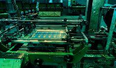 Fotografia Abstracta de Maquinaria de impresión serigrafía. Artifuego S.A