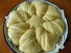Pita Recipes, Greek Recipes, Cooking Recipes, Easter Recipes, Dessert Recipes, Greek Desserts, Sweet Buns, Bulgarian Recipes, Greek Dishes