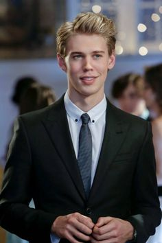 Explore the best Austin Butler quotes here at OpenQuotes. Quotations, aphorisms and citations by Austin Butler Austin Butler, Don Draper, Joseph Morgan, Robert Downey Jr, Beautiful Boys, Pretty Boys, Beautiful People, James Bond, Types Of Boyfriends