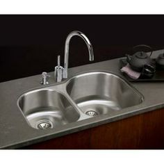 Elkay Lustertone Undermount Stainless Steel 31-1/4x20x10 in. 0-Hole Double Bowl Kitchen Sink-ELUH311910L at The Home Depot $494.61