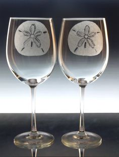 Sand dollar wine glasses , hand engraved wine goblets , beach decor,  gift ideas personlized christmasinjuly