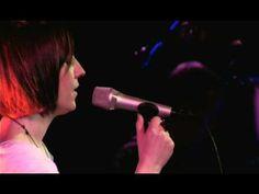 Julie Fowlis Lon-dubh / Blackbird - this is magic!