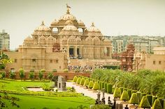 Akshardham Temple Akshardham Temple, New Delhi epitomizes 10,000 years of Indian culture in all its breathtaking grandeur, wisdom and beauty