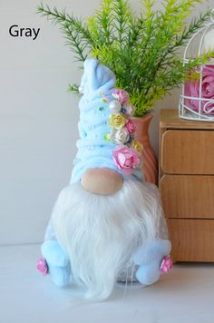 Get Well Gifts, Gifts For Mom, Easter Crafts, Holiday Crafts, Easter Decor, Scandinavian Gnomes, Grandmother Gifts, Christmas Gnome, Paper Flowers