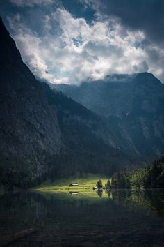bavarian lake, Bavaria, Germany, by Franz Sussbauer, Website. Beautiful World, Beautiful Places, Simply Beautiful, Great Pictures, Amazing Photos, Beautiful Pictures, Nature Scenes, Landscape Photos, Belle Photo