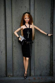 https://flic.kr/p/nfhEqd | Erika Alabama | Handbag and necklace by Nacho Fernández Díez Hard Rock Barbie  Doll 2006