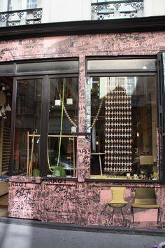 Le papier peint sur l'extérieur de la boutique The Collection !  Imaginez à l'intérieur chez vous ! #eleykishimoto #deco #shopping