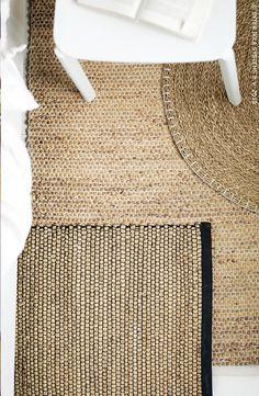 Ces tapis sont tressés à la main avec des jacinthes d'eau et des joncs de mer: des matériaux durables et renouvelables.Tapis NIPPRIG 2015 #IKEA #NIPPRIG