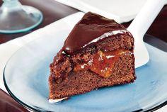 Μία τέλεια συνταγή με πλούσια γεύση σοκολάτας και τη δροσιά του βερίκοκου. Όταν τη φτιάξαμε στην εκπομπή δεν έμεινε ούτε ψίχουλο!